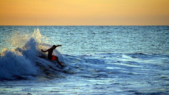 Abenteuer Surfer Costa Rica