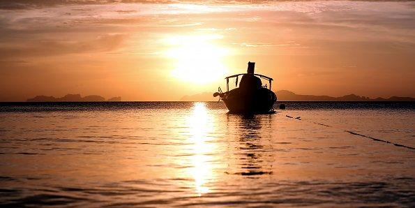 Boot im Abendrot
