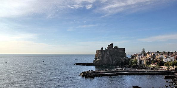 Burg im Meer